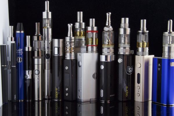 электронную сигарету в ручную кладь можно, а в багаж нельзя