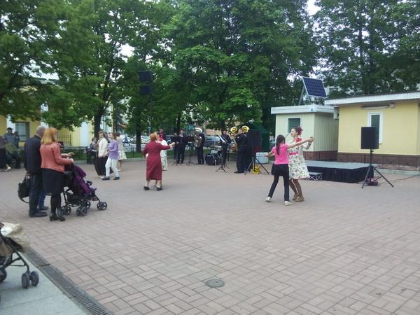 кронштадт 2015 оркестр на улице для пенсионеров