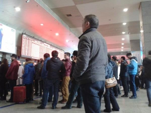 автостопом с казани до камбоджы путешествие Айгуль в 2015 году китай горд урумчи жд вокзал очередь за билетами
