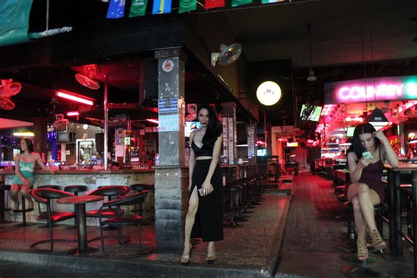 поездка в таиланд самостоятельно в паттайю отдых уолкинг стрит трансы