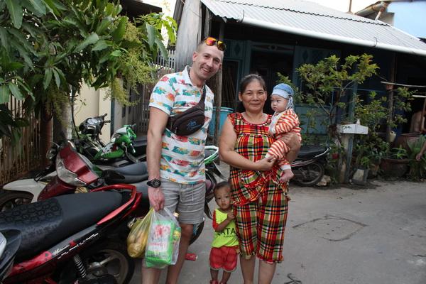 люди во Вьетнаме на острове Фукуок поездка 2017