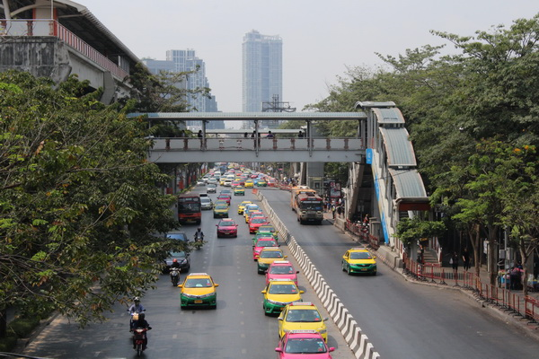 дорога от бангкока до Паттайи и обратно такси бангкок