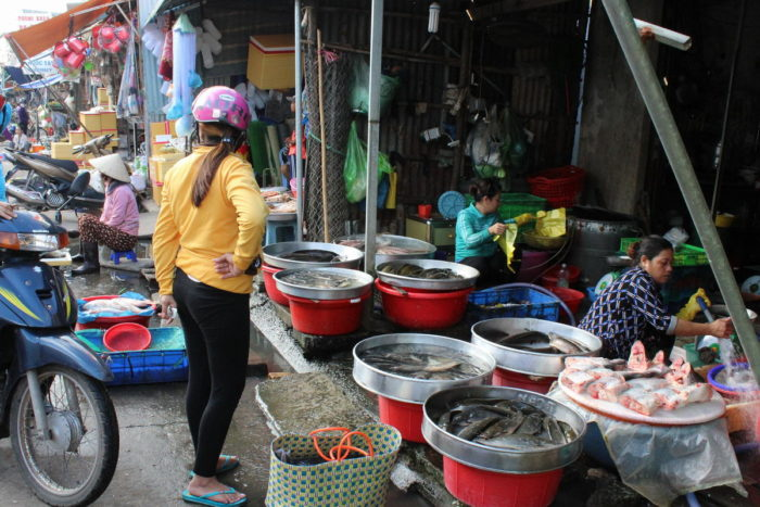 Фукуок, Вьетнам, дневной рынок, рыбный ряд