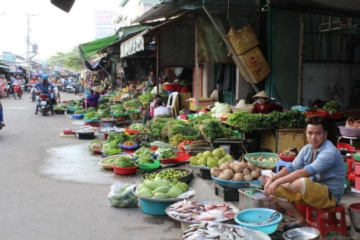 Фукуок, Вьетнам, овощи на дневном рынке