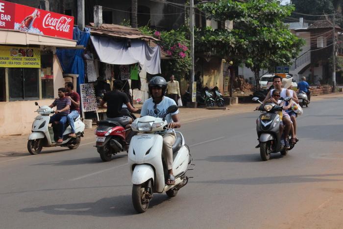 аренда байка в Индии в Гоа - безопасность и правила на дорогах в 2020 2021 годах