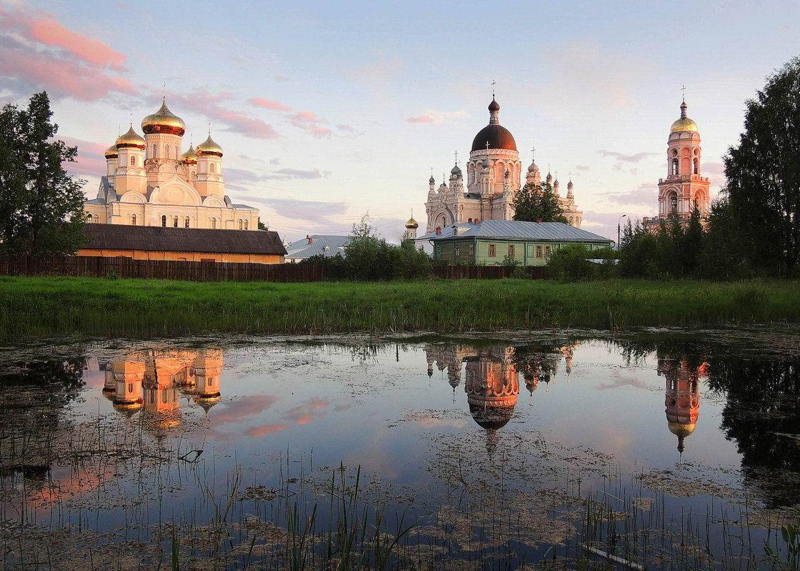что посмотреть по дороге в Питер из Москвы Казанский монастырь Вышний Волочок