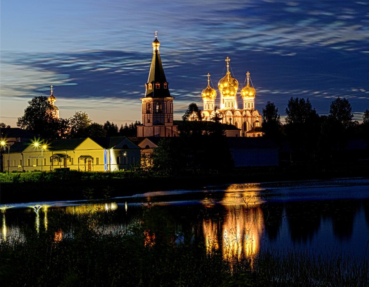 что посмотреть по дороге в Питер и Каерлию на машине из Москвы Валдай