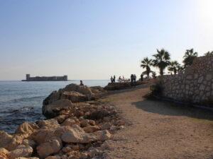 пляж и девичья крепость в Кызкалеси ноябрь 2020 что посмотреть в Турции