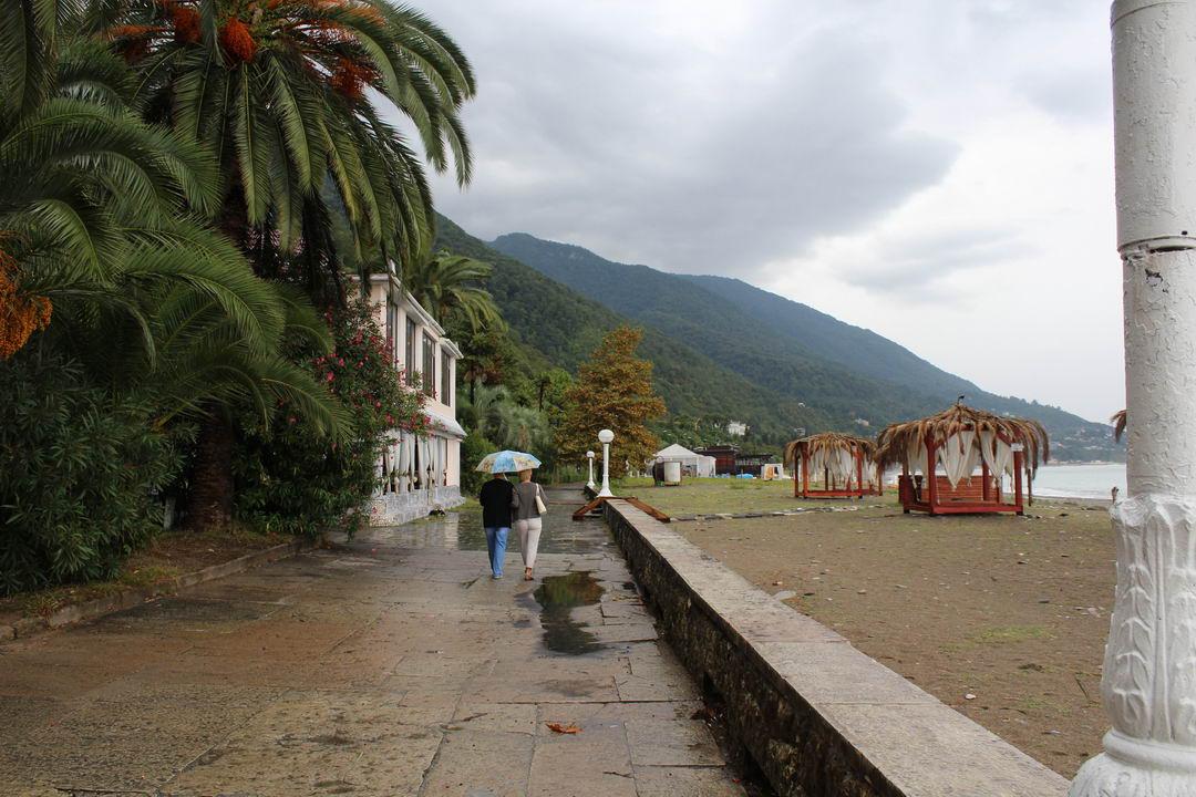погода апрель месяц Абхазия